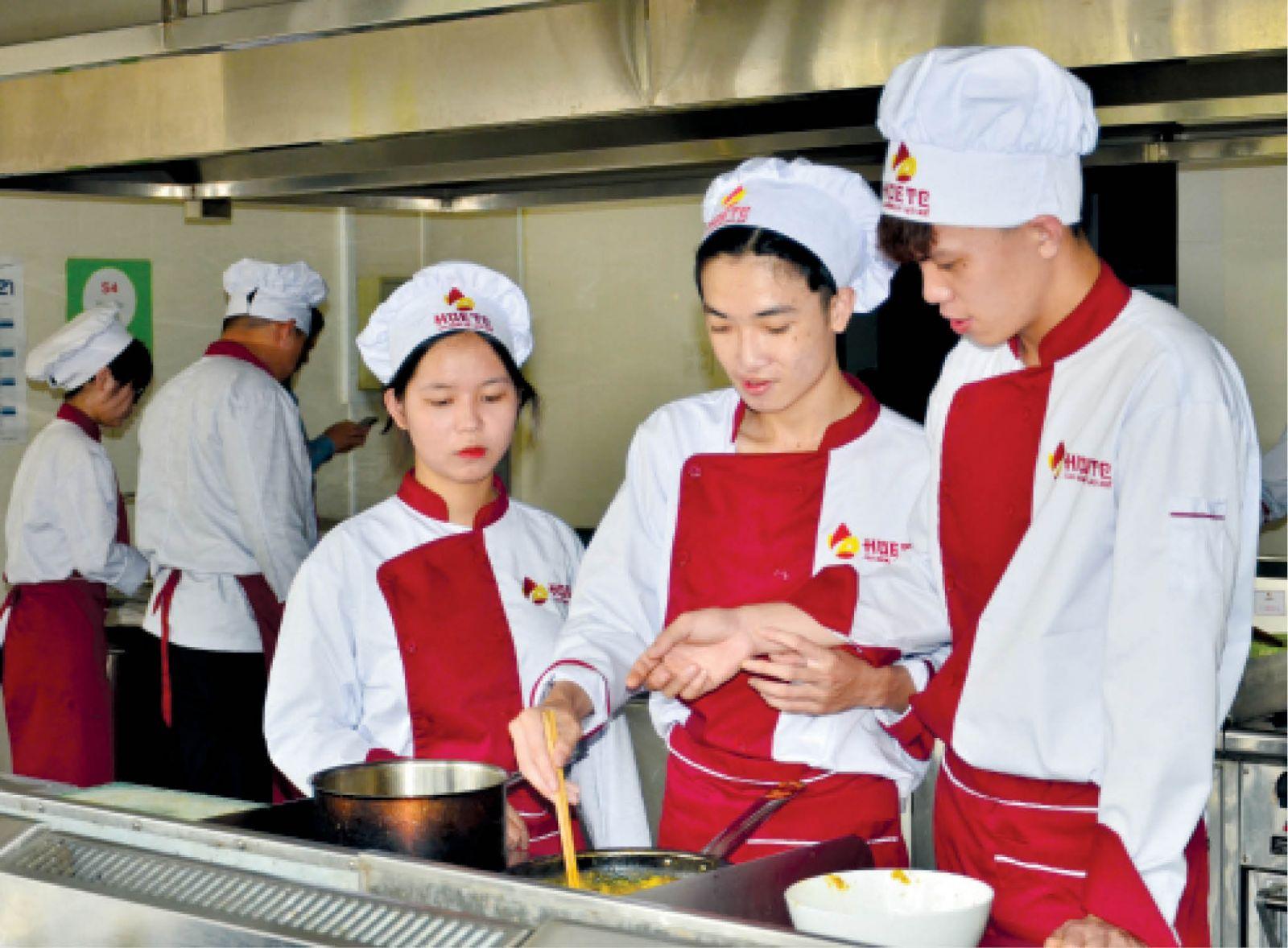 Thừa Thiên Huế: Nỗi lo chất lượng đào tạo sinh viên du lịch