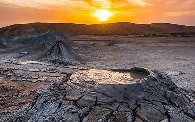 Núi lửa bùn ở Azerbaijan