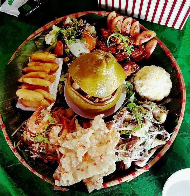 Gà hấp bưởi: Món đặc sản độc đáo, ăn là ghiền của người Đồng Nai