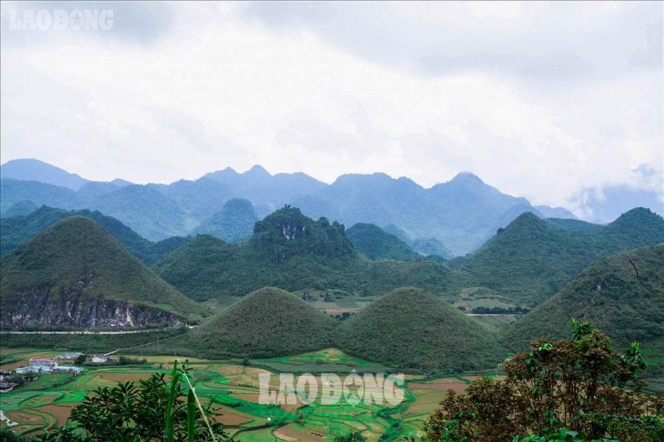 Những câu chuyện truyền thuyết thú vị về núi Đôi Quản Bạ ở Hà Giang