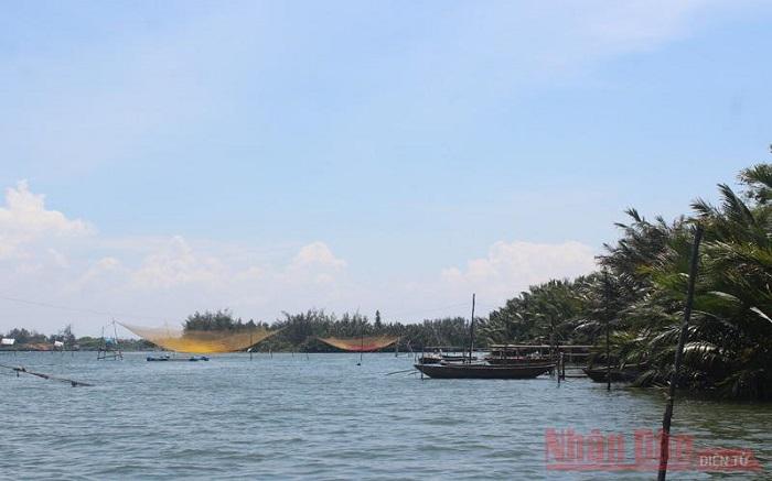 Quảng Nam: Đắm hồn trưa trên sông Thu Bồn