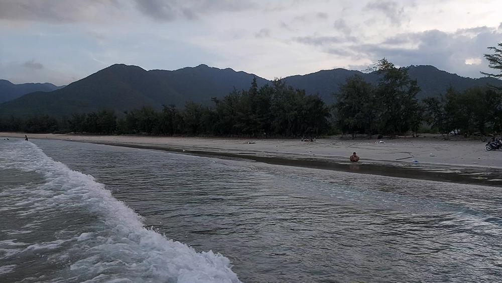 Ninh Thuận: Biển Bình Tiên - Viên ngọc ẩn mình trong núi rừng