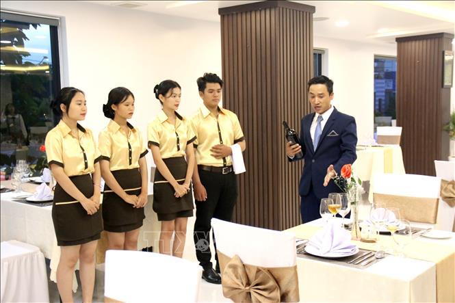 Móng Cái tuyển sinh lớp nghiệp vụ nhà hàng, khách sạn năm 2021