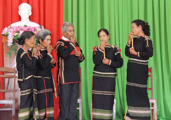 Đắk Lắk: Bảo tồn văn hóa dân gian bằng hình thức câu lạc bộ
