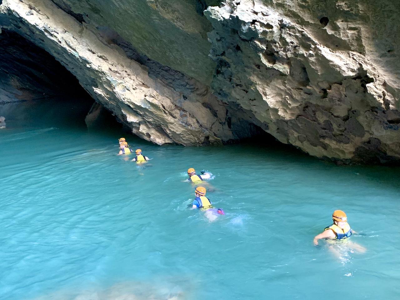 Tuyến du lịch khám phá thung lũng Ha Ma Đa - hang Trạ Ang: Điều chỉnh độ tuổi khách du lịch tham gia trải nghiệm
