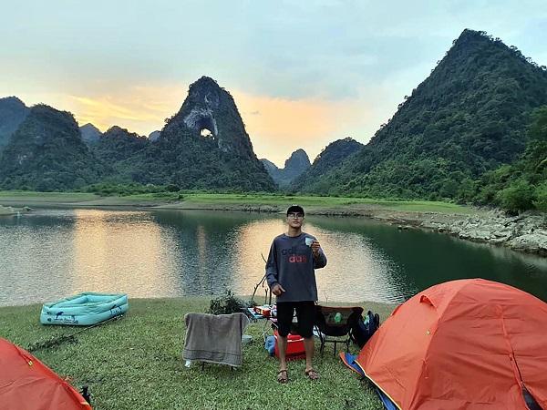 Núi Mắt Thần, điểm du lịch cắm trại không thể bỏ qua khi đến Cao Bằng