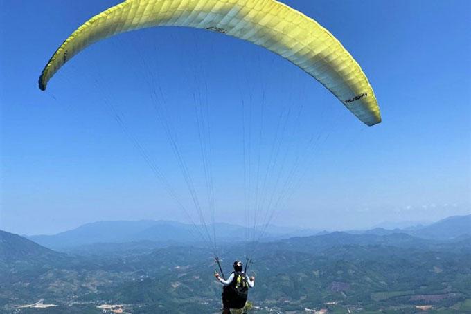Quản lý chặt hoạt động bay Dù lượn trên địa bàn tỉnh Khánh Hòa