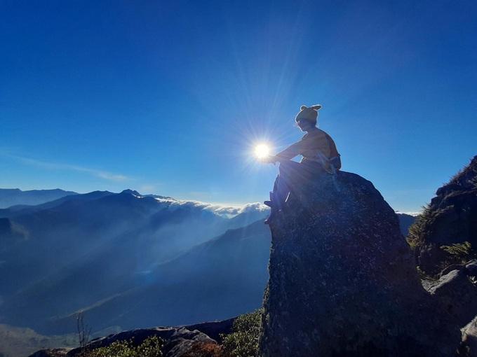 10 đỉnh núi cao nhất Việt Nam hút giới xê dịch
