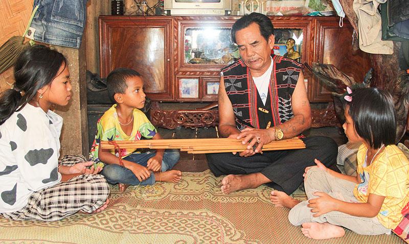 Quảng Trị: Giữ gìn văn hóa truyền thống của bản làng