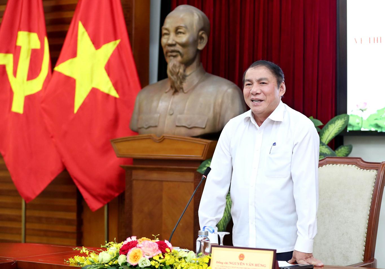 Bộ trưởng Nguyễn Văn Hùng: Ứng dụng công nghệ, bảo đảm an toàn, mở đến đâu chắc đến đó khi thí điểm đón khách du lịch quốc tế đến Phú Quốc