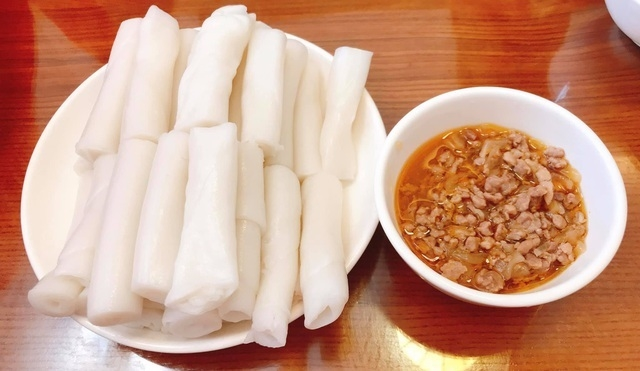Quảng Ninh: Trăn trở giữ nghề làm bánh gật gù