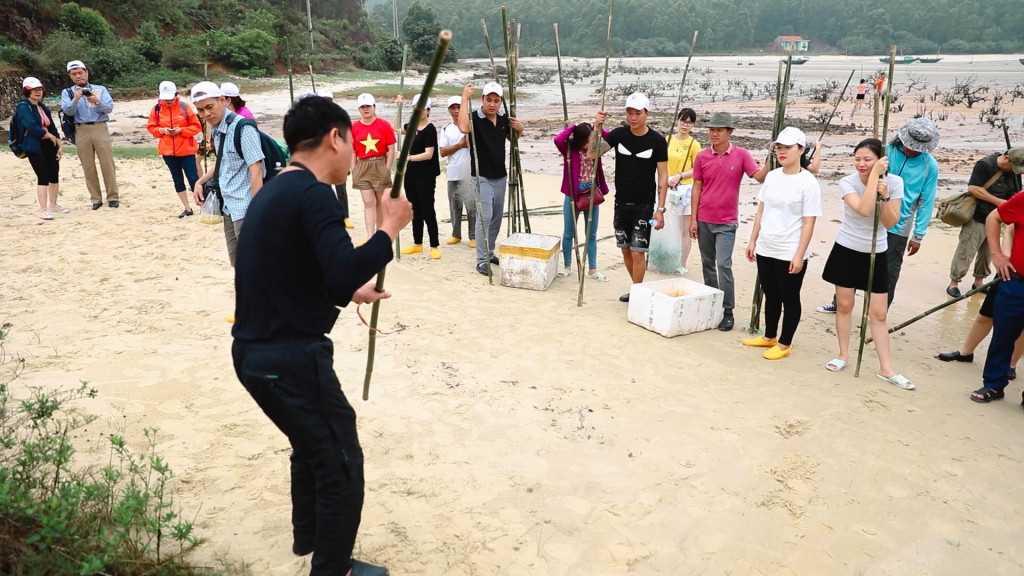 Quảng Ninh: Trải nghiệm làm ngư dân tại Quan Lạn