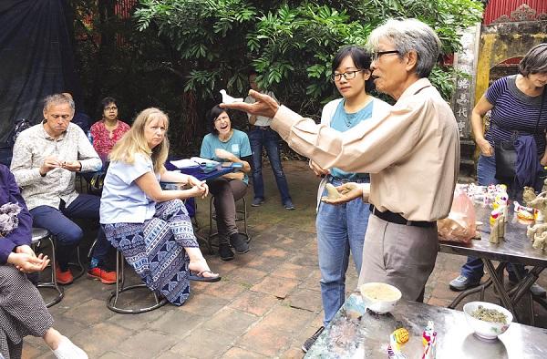 """Bắc Ninh: Chuyện ở gia đình """"giữ lửa"""" nghề truyền thống"""