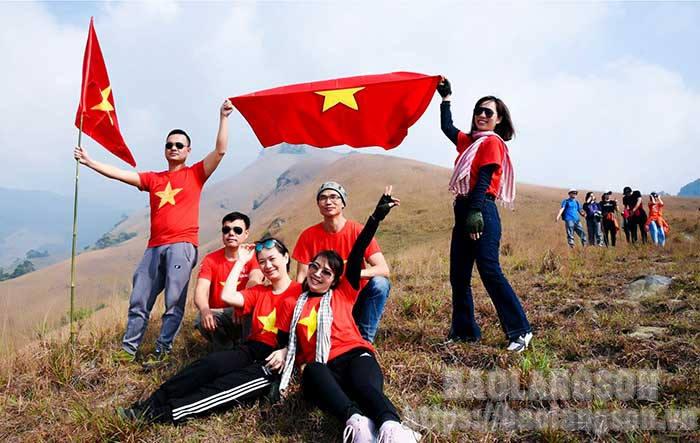 Lạng Sơn: Khai thác tiềm năng du lịch trekking ở Mẫu Sơn