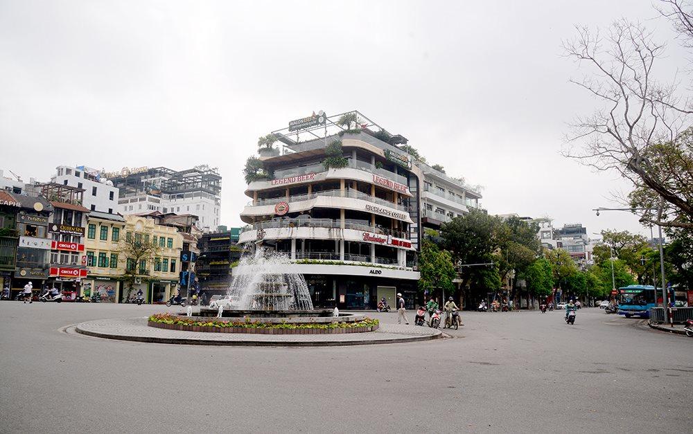 Hà Nội không đón khách du lịch trong tháng 9