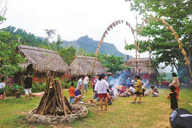 Phát triển du lịch sinh thái cộng đồng tại huyện Hòa Vang, Đà Nẵng