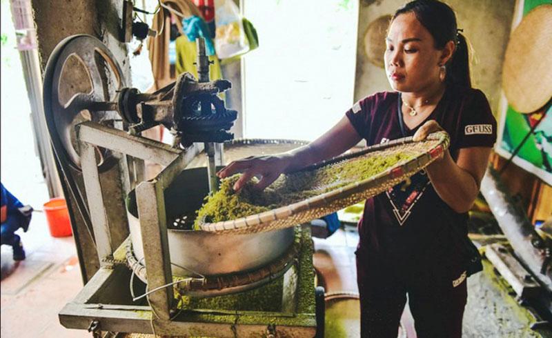 Hà Nội: Ứng dụng công nghệ chế biến vào nghề làm cốm Mễ Trì