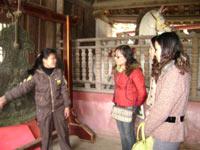 Hà Tây: 1 vạn lượt khách tham quan trẩy hội chùa Thầy
