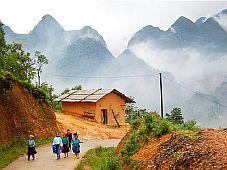 Chiêm ngưỡng và khám phá cao nguyên đá Đồng Văn (Hà Giang)
