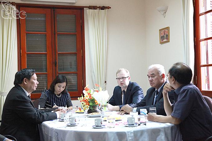 Việt Nam miễn thị thực có thời hạn đối với công dân Belarus