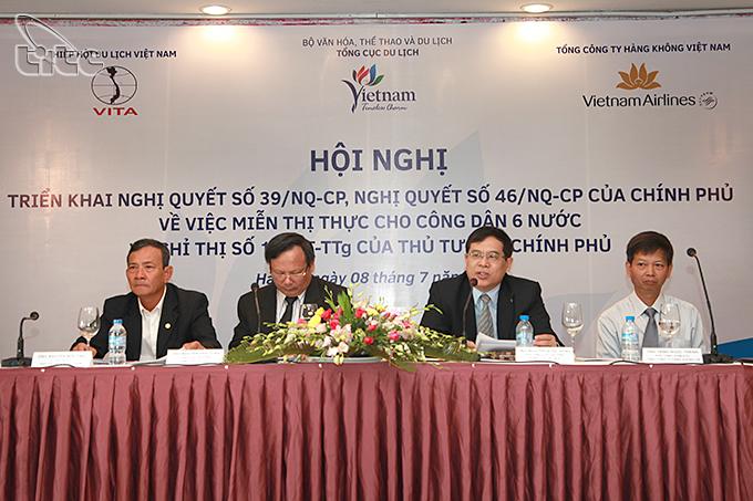 Hội nghị triển khai các Nghị quyết của Chính phủ về việc miễn thị thực cho công dân 6 nước và Chỉ thị số 14/CT-TTg của Thủ tướng Chính phủ