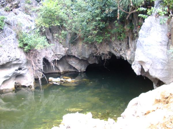 Kỳ thú Hang Luồn - Ao Dong (Hà Nam)