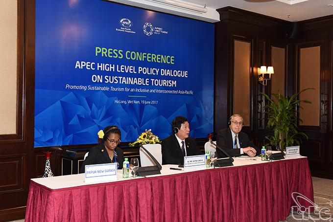 Họp báo quốc tế Đối thoại chính sách cao cấp APEC về Du lịch bền vững