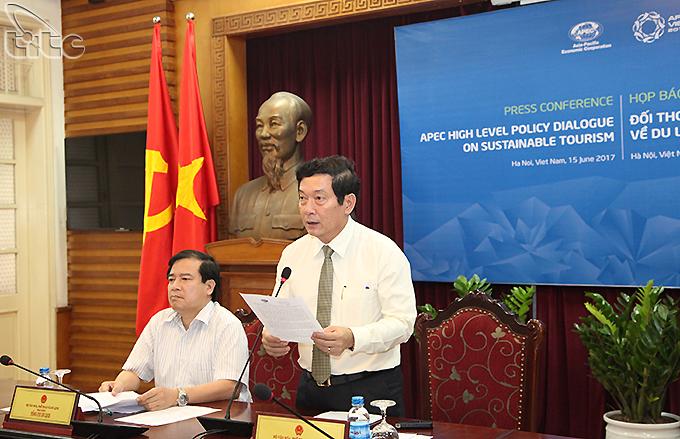 Họp báo về Đối thoại Chính sách cao cấp về du lịch bền vững
