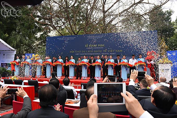 Tưng bừng khai mạc Hội chợ du lịch quốc tế Việt Nam - VITM Hanoi 2017