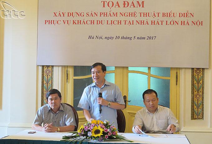 Khảo sát sản phẩm du lịch tại Nhà hát lớn Hà Nội