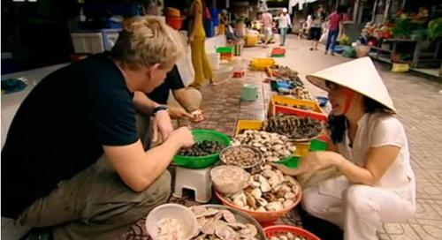 Ẩm thực đường phố Việt trong mắt du khách quốc tế
