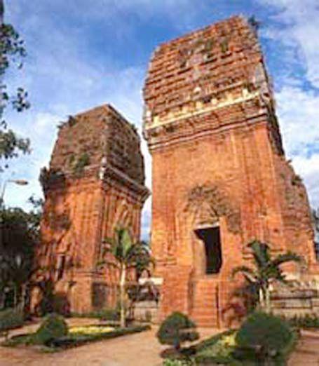 Tháp đôi, Bình Định: Một công trình kiến trúc đẹp và độc đáo