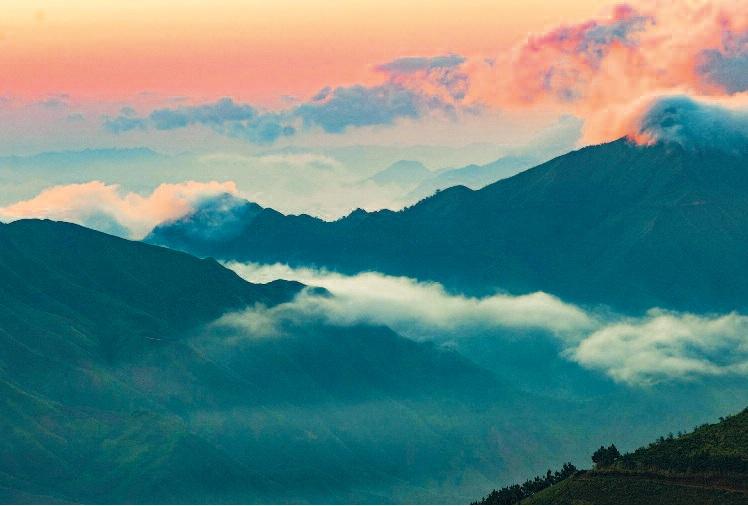 Chiêm ngưỡng thiên đường mây Tà Xùa – Sơn La