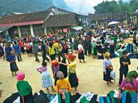 Lào Cai phát triển du lịch gắn với bảo tồn các giá trị văn hoá