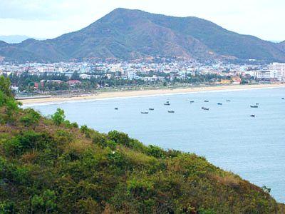 Ngắm vẻ đẹp vịnh Cù Mông