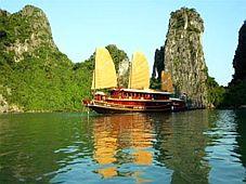 Hồ cống đỏ - kỳ thú Hạ Long