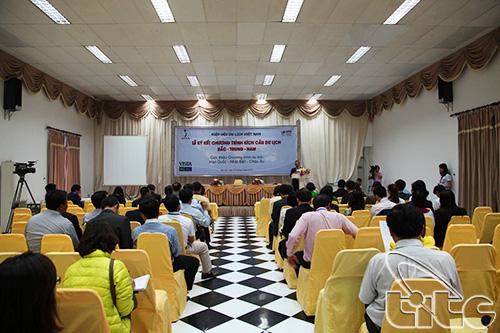 Nam - Viet Nam la tam diem Hoi cho Du lich Charleroi 2014 - 4 khach ...