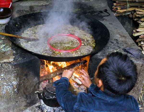 Thắng cố - Món ăn đặc trưng vùng Cao nguyên đá Đồng Văn