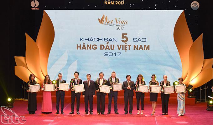 Vinh danh các doanh nghiệp du lịch hàng đầu Việt Nam 2017