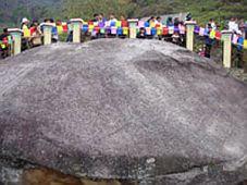 Bãi đá cổ Xín mần (Hà Giang) - Vẻ đẹp lạ và bí ẩn
